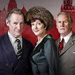 ALAN BENNET USE Nicholas Farrell, Belinda Lang and David Robb in Single Spies. Photography by Hugo Glendinning (2)