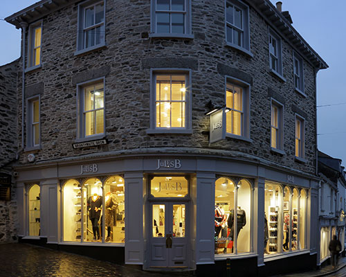 LUXE LOCAL: KENDAL