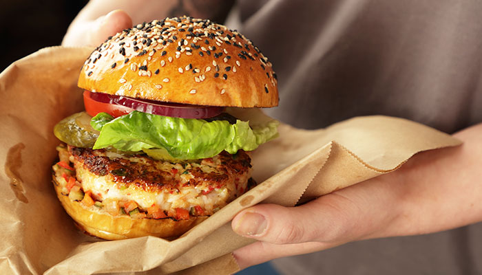 FISH COURSE: PRAWN AND SCALLOP BURGER