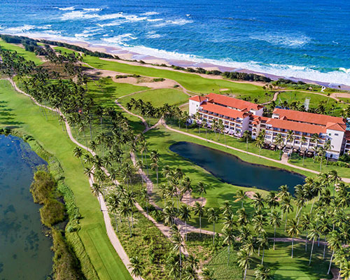 THE WORLD'S GREATEST GOLF RESORTS