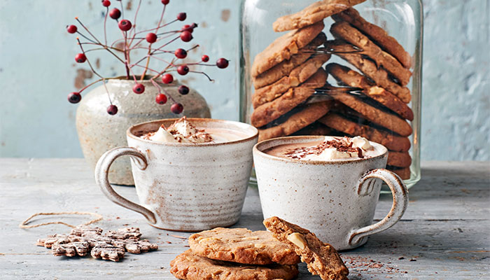 Sweet Scandi Recipe Gooey Gingerbread Cookies Luxe Magazine