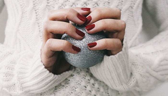 BEAUTY HACKS FOR THE PARTY SEASON