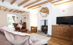 A COSY COUNTRY GETAWAY: IVY COTTAGE
