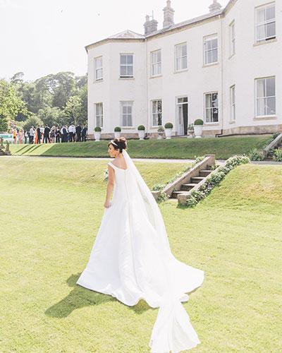 REAL WEDDING: GARDEN GLAMOUR AT LARTINGTON
