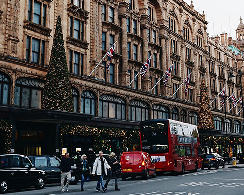 Christmas in London - Harrods store front