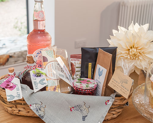 A beautifully designed welcome hamper.