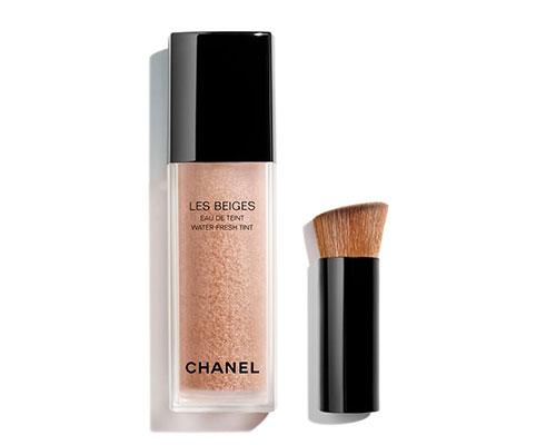 Chanel les beiges eau de teint.