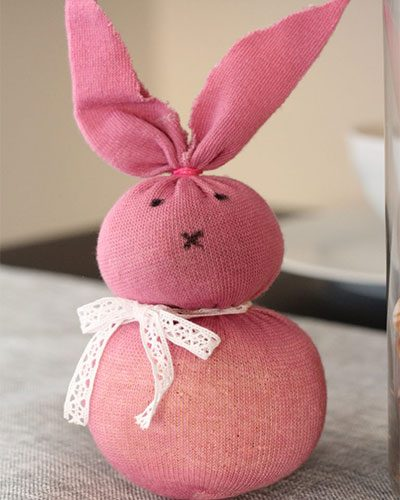 Easter Crafts: Sock-Bunnies