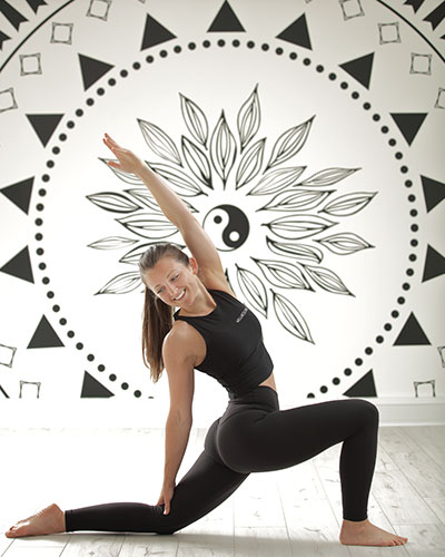 5 VIRTUAL YOGA CLASSES TO TRY AT HOME