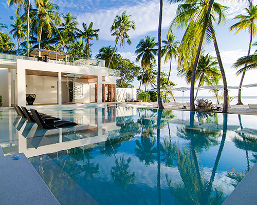TRAVEL INSPIRATION: LUXE VILLA ESCAPES